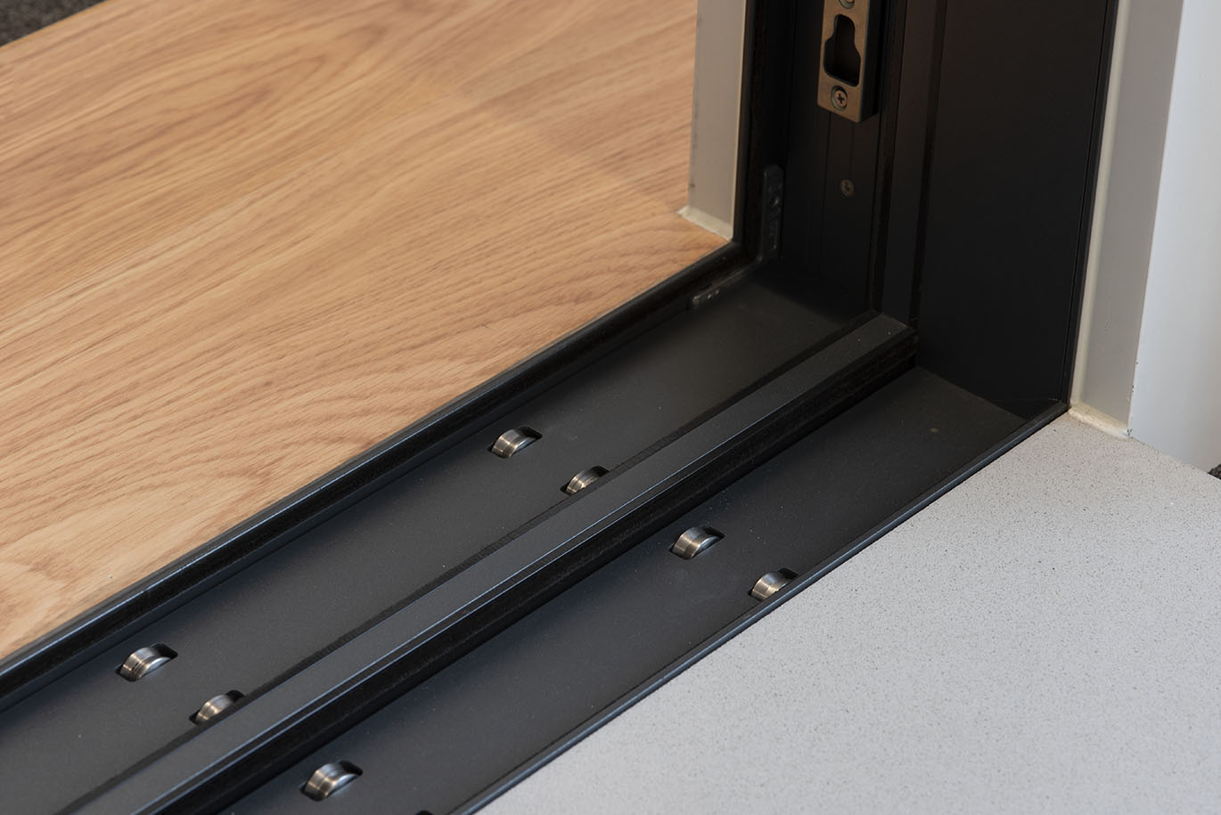CorVision Plus System with Thermal Break Open Rail